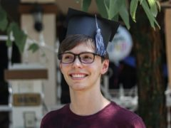 SCHOLARSHIPS FOR STUDENTS WITH GLASSES.