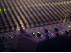 10 Senpagaj Kursoj pri Interreta Muzika Produktado
